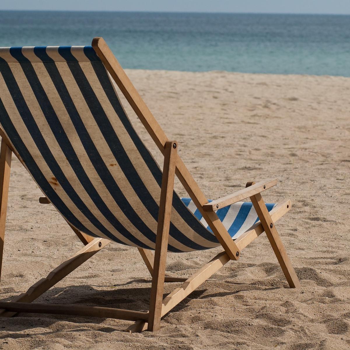 Ouderwetse Rieten Strandstoel.Strandstoel Uitklappen Fijn Op Vakantie